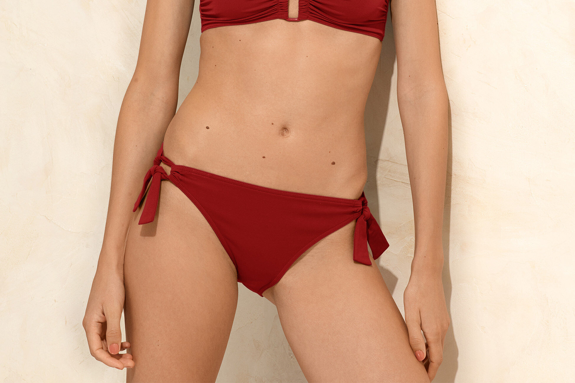 Profit Schmale Bikinihose Standardansicht �