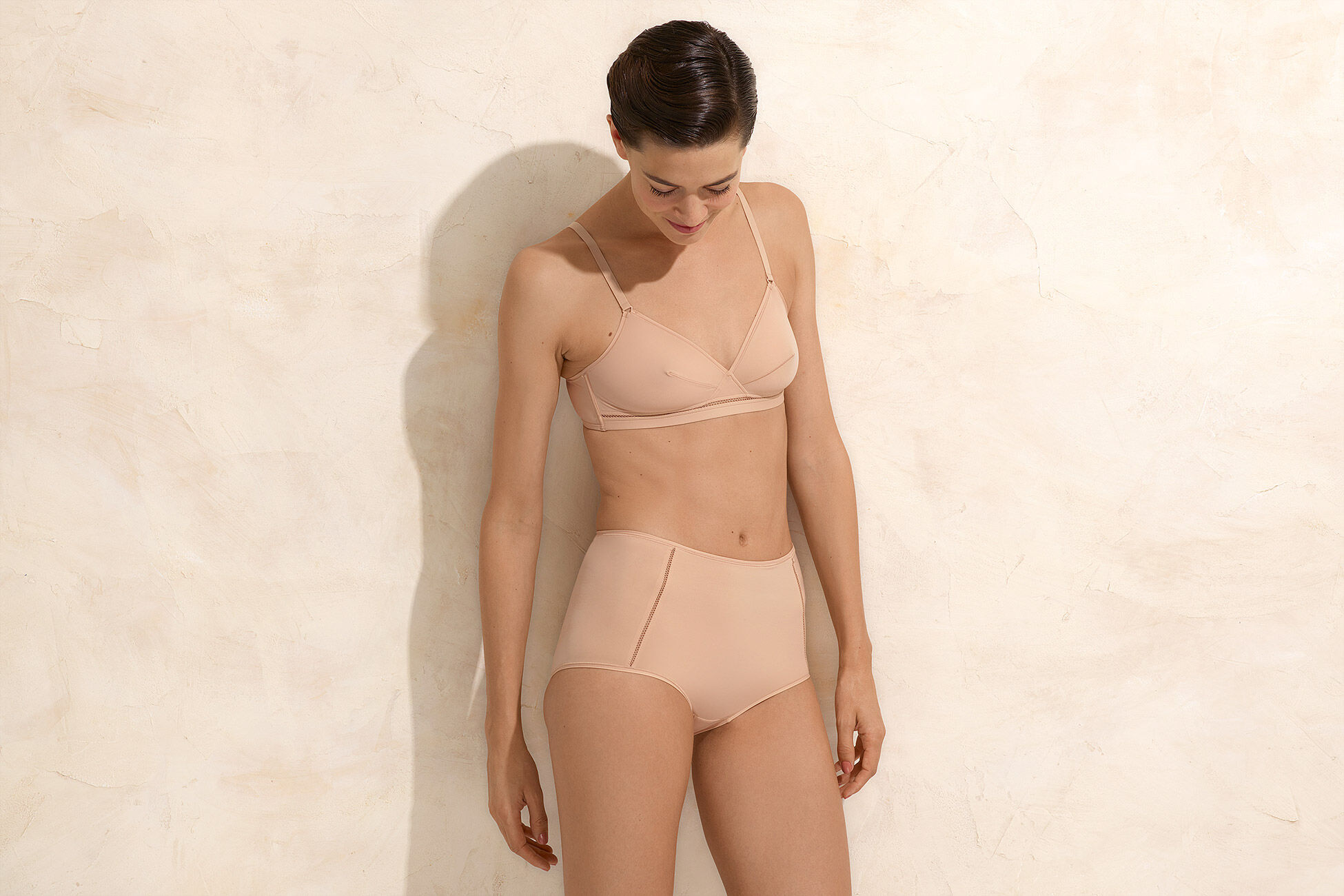 Lydia Triangle bra standard view �