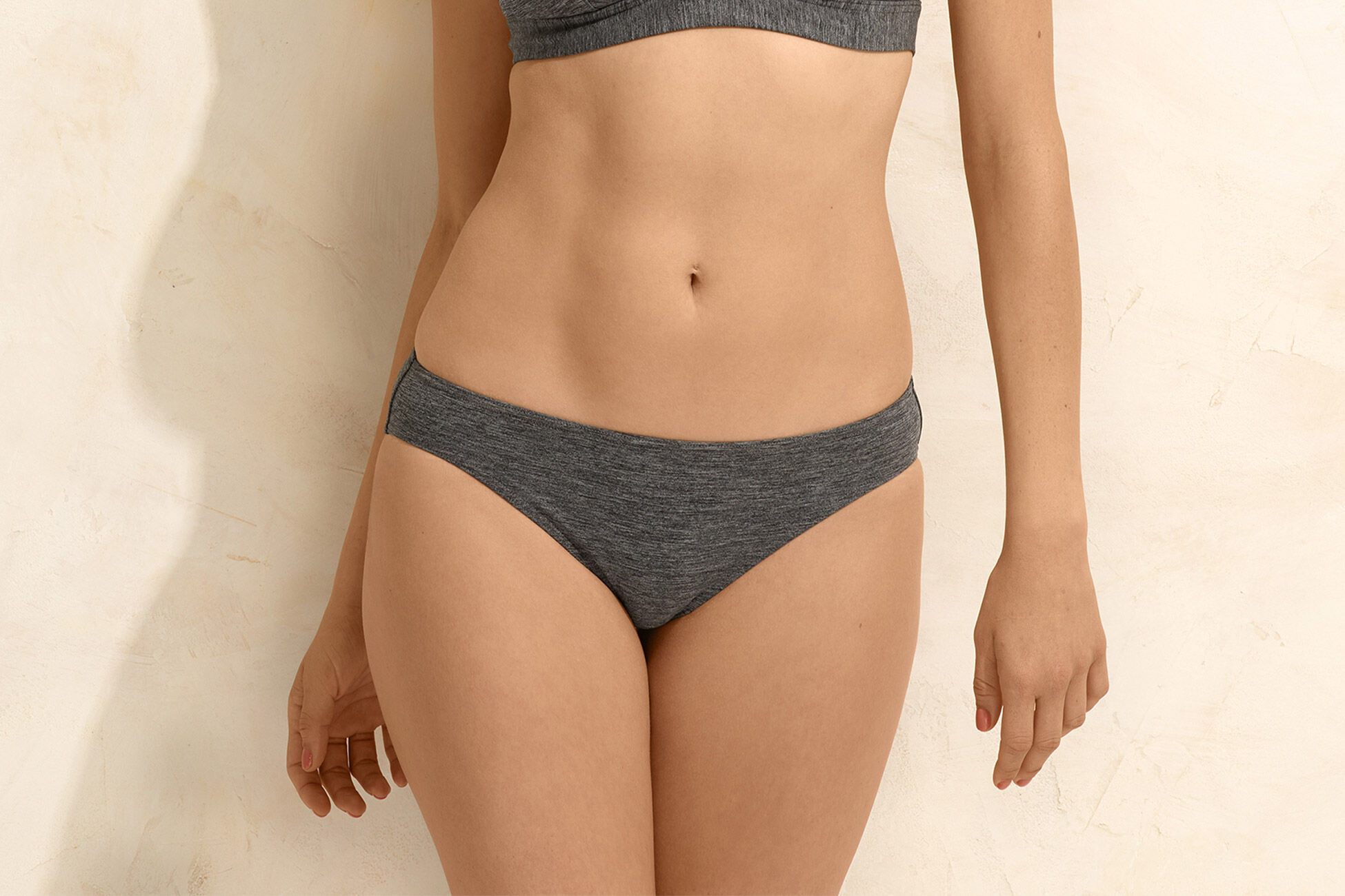 Scarlett Classic bikini briefs standard view �