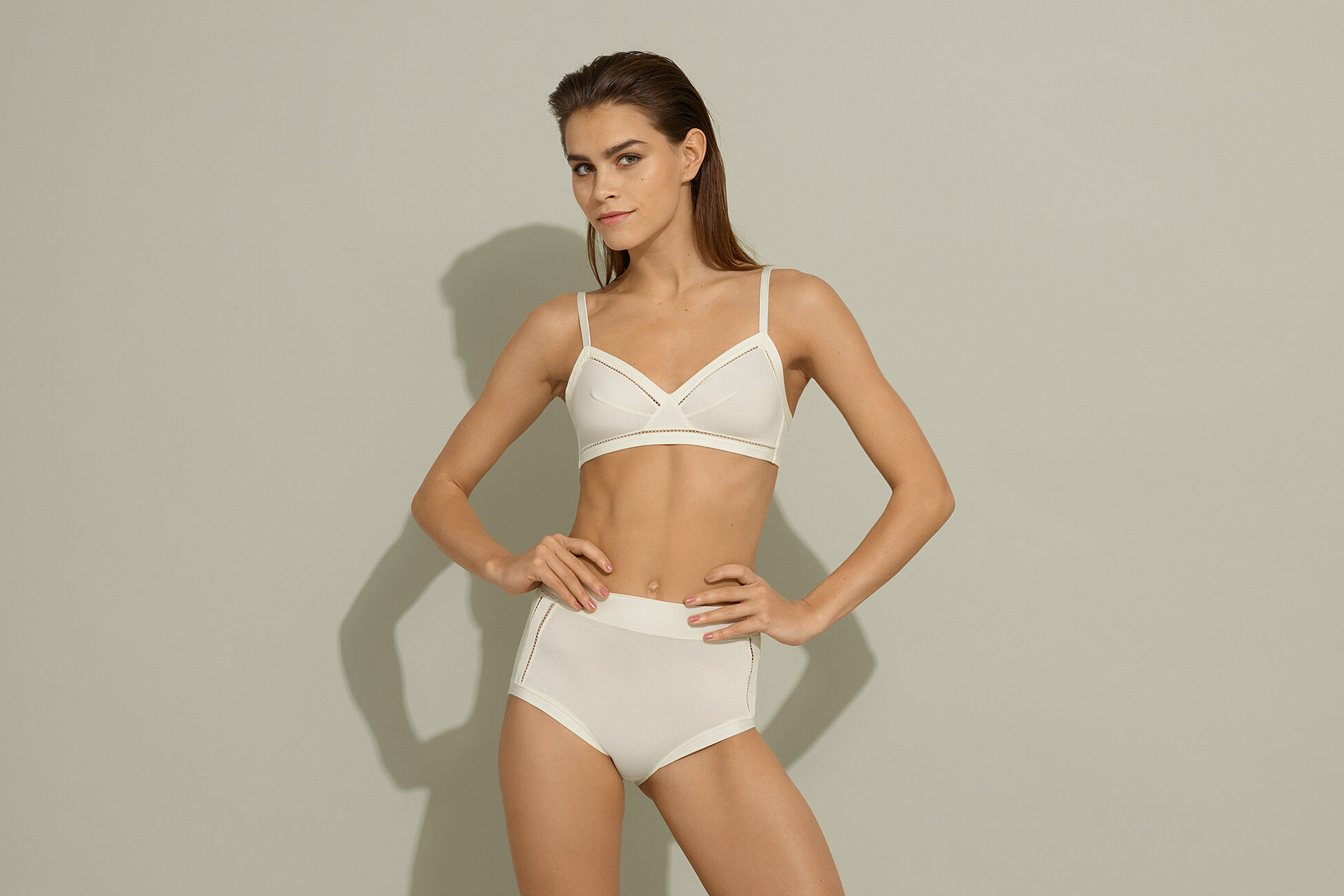 Déjà Triangle bra standard view �