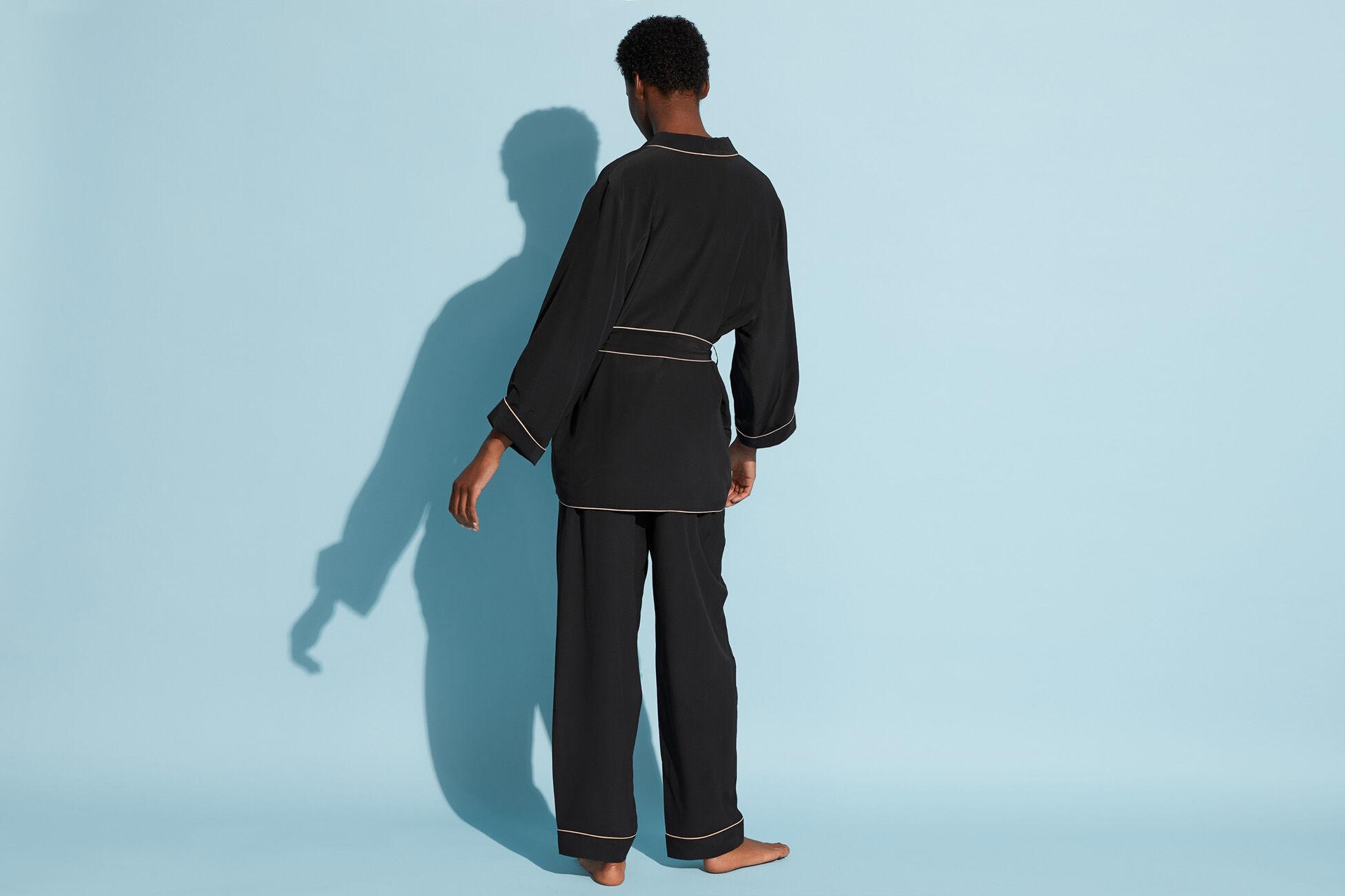 Uniform Robe standard view �