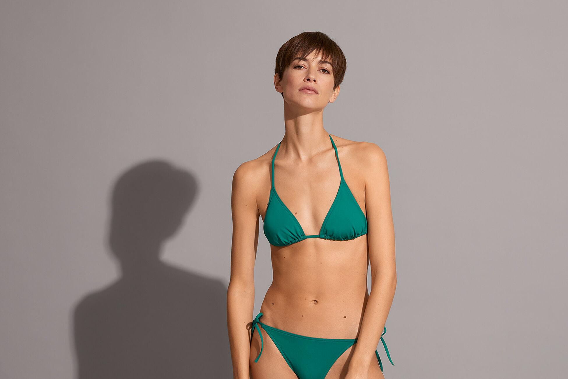 Mouna Small triangle bikini top standard view �
