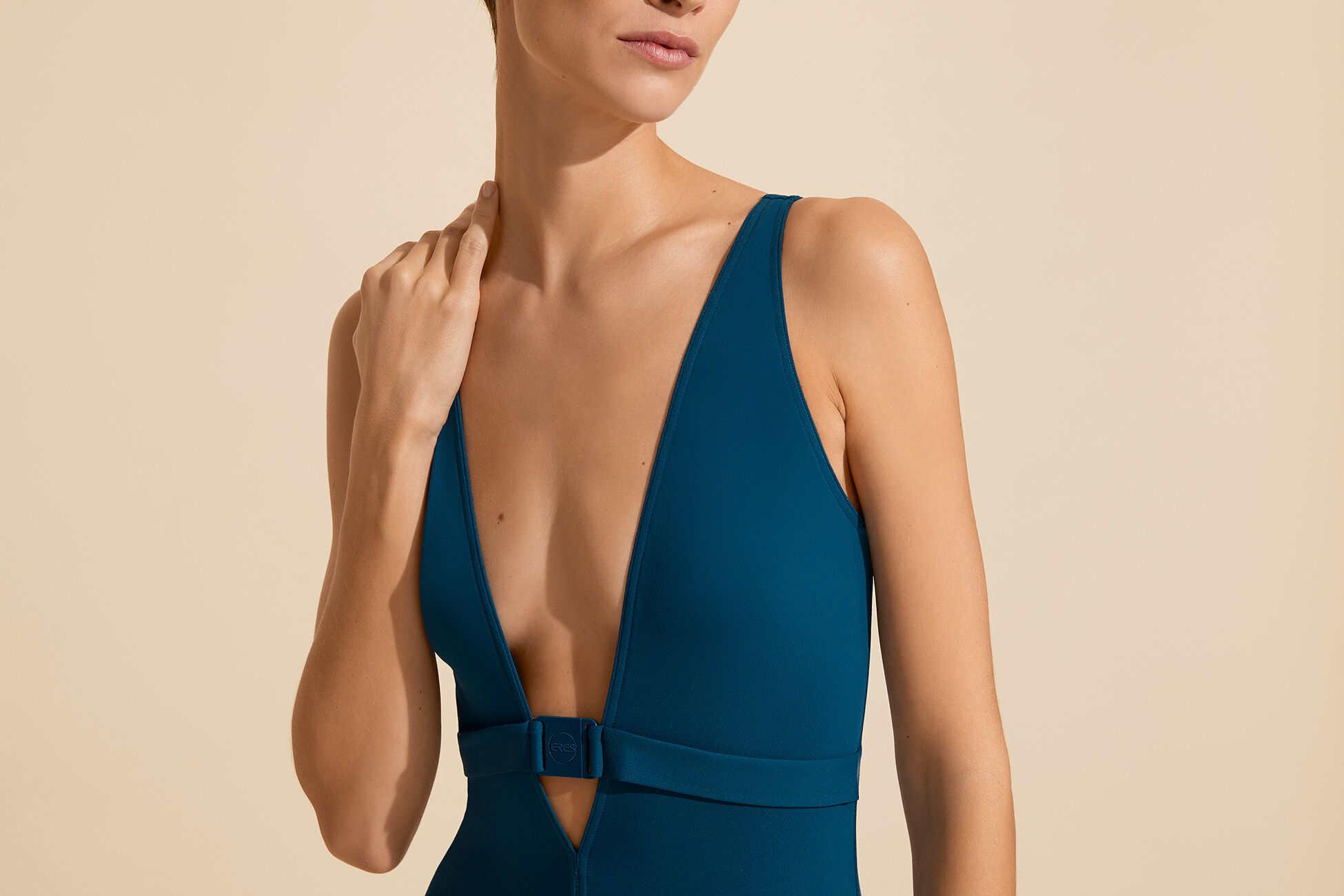 Zouh Sophisticated one-piece standard view �