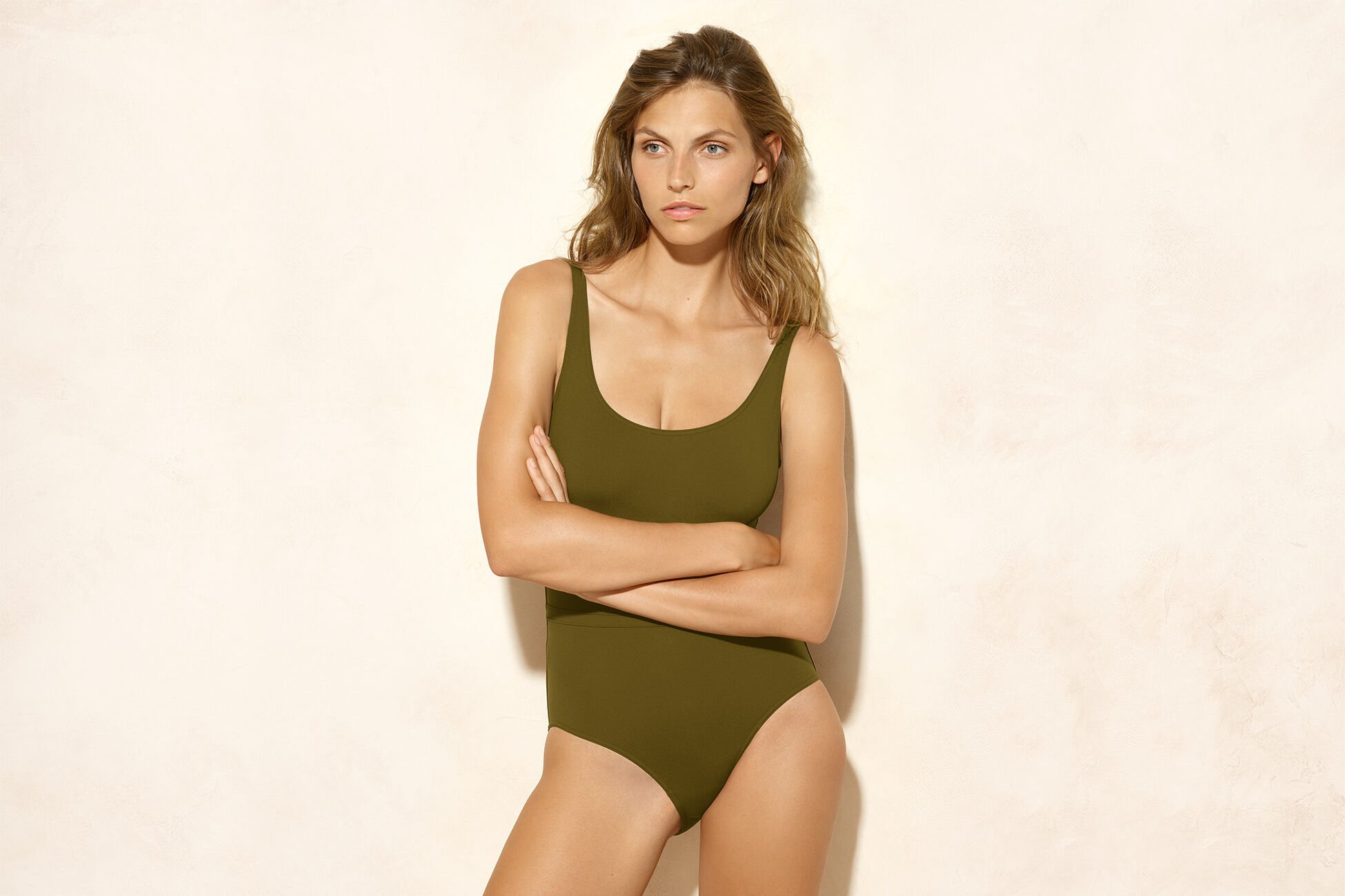Asia Tank one-piece standard view �