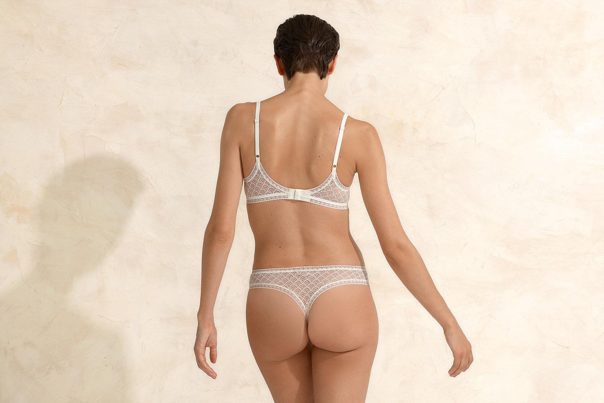 Jacquard Triangle bra standard view �