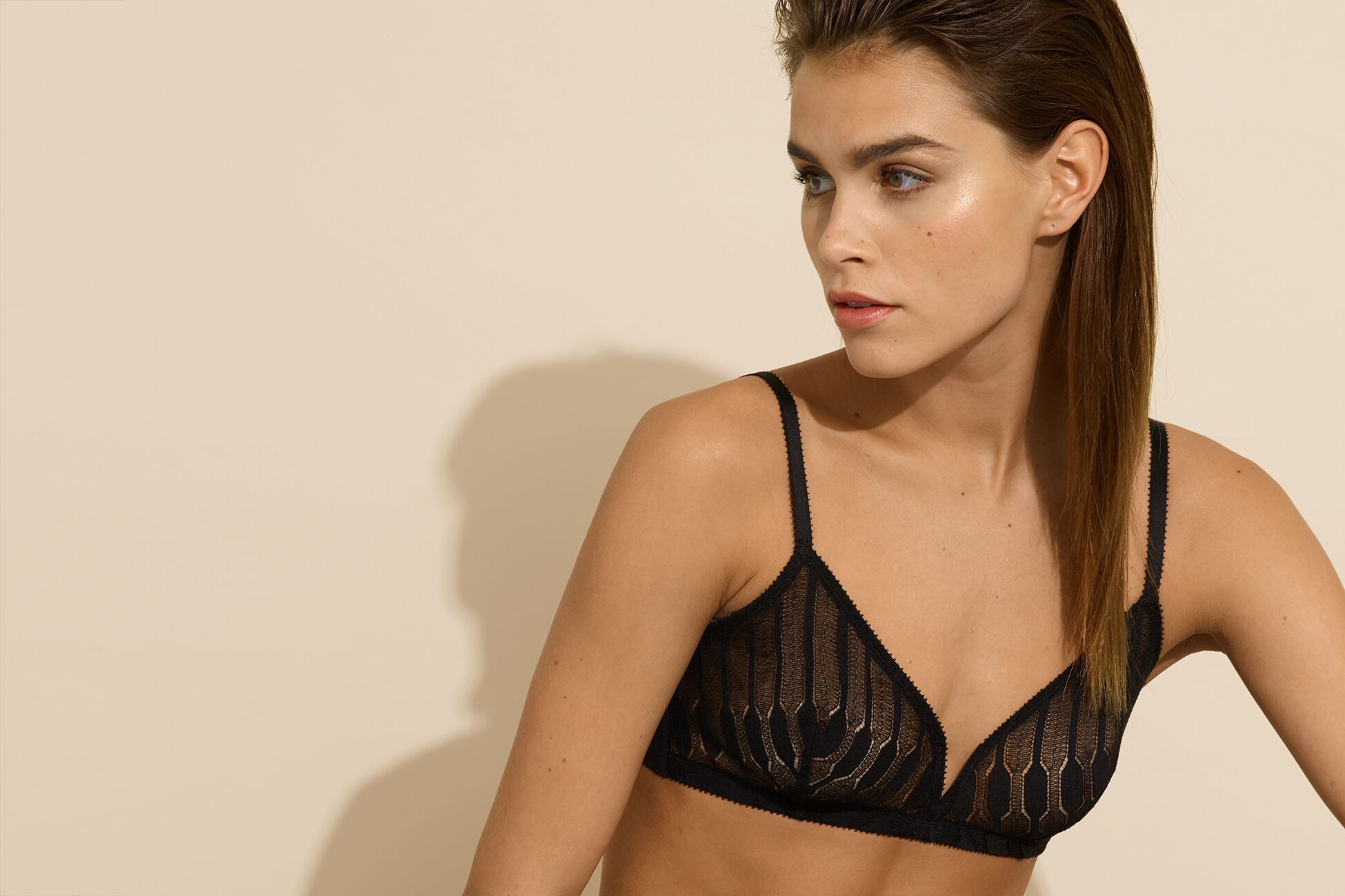 Jaali Triangle bra standard view �