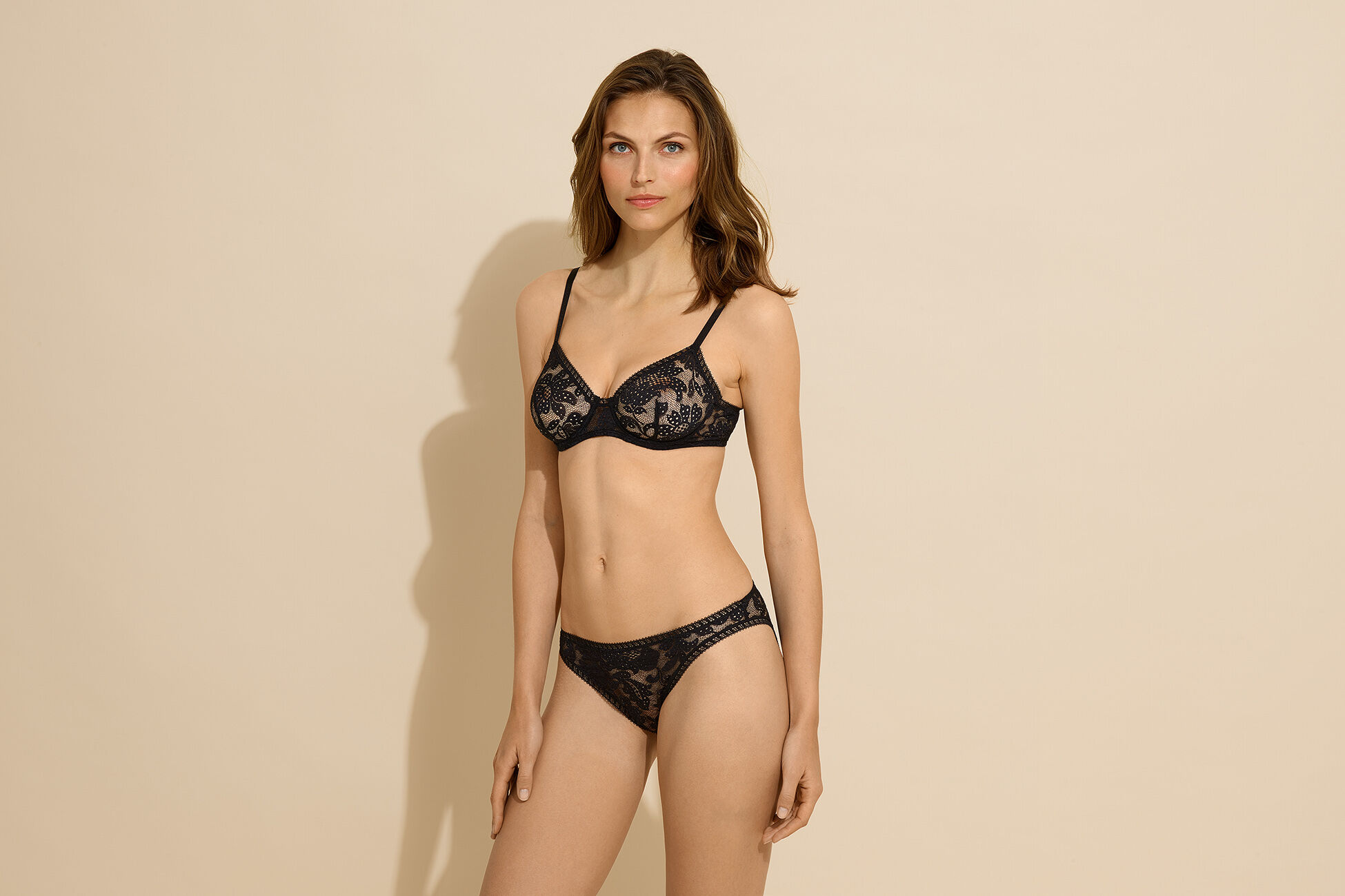 Tradition Full-cup bra standard view �