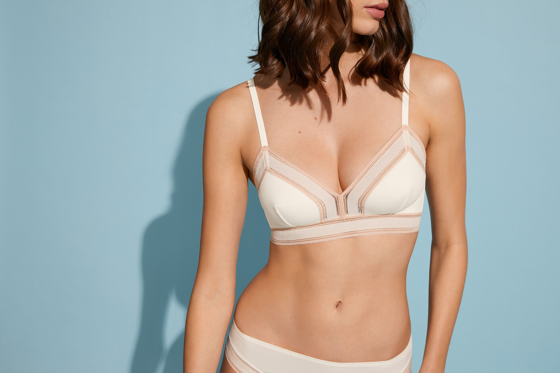 Glamour Triangle bra standard view �