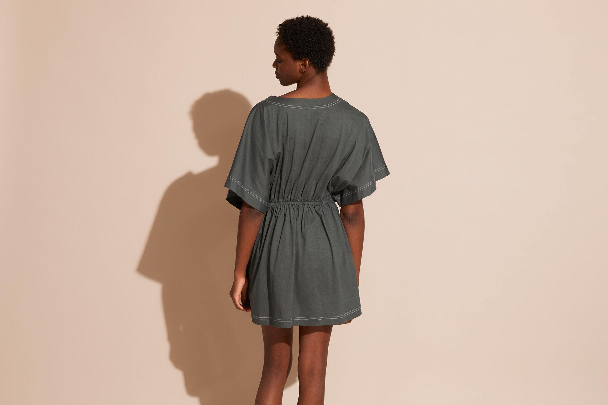 Charly Vestido corto Vista estándar �