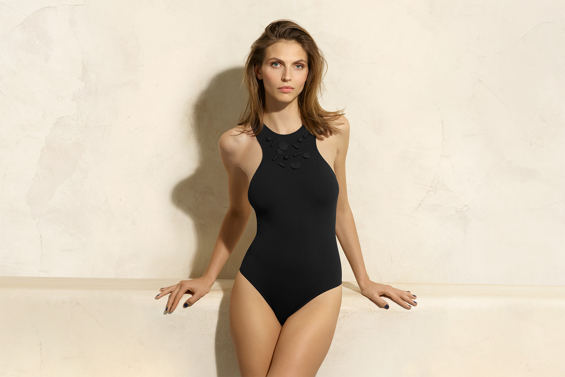 Opale Sophisticated one-piece standard view 1