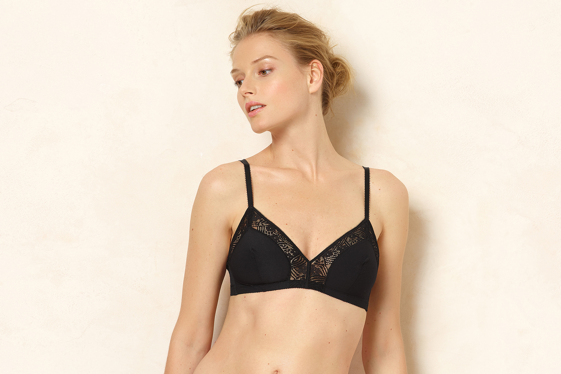 Charme Triangle bra standard view 1