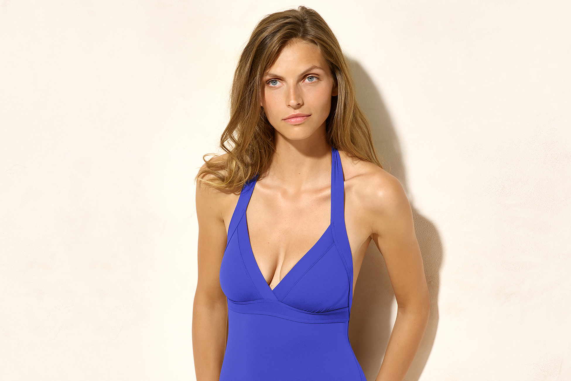 Cassis Triangle one-piece standard view 2