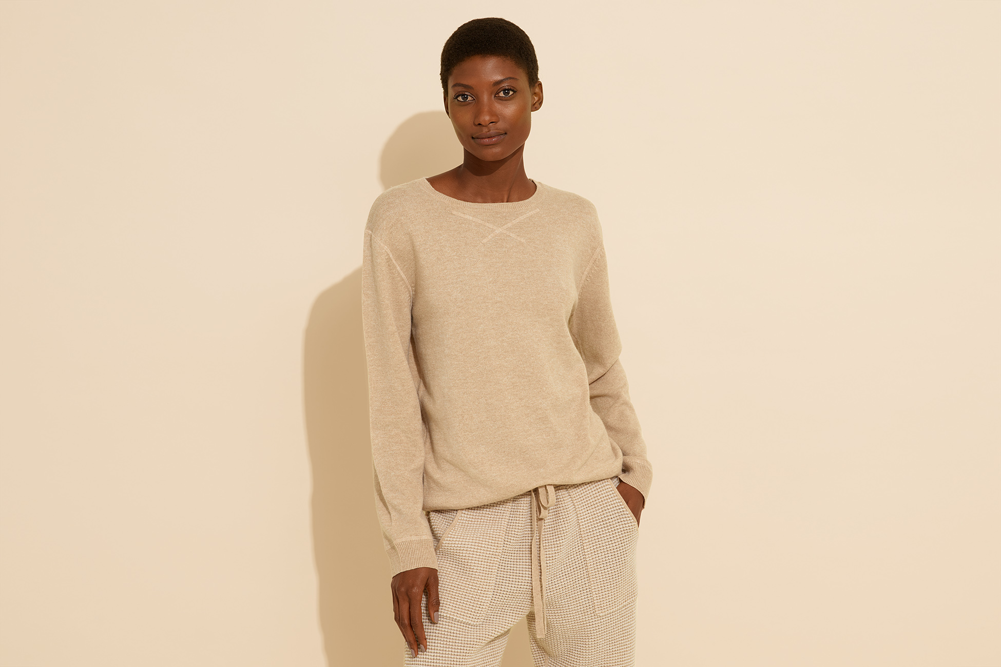 Aimante Sweater standard view 1
