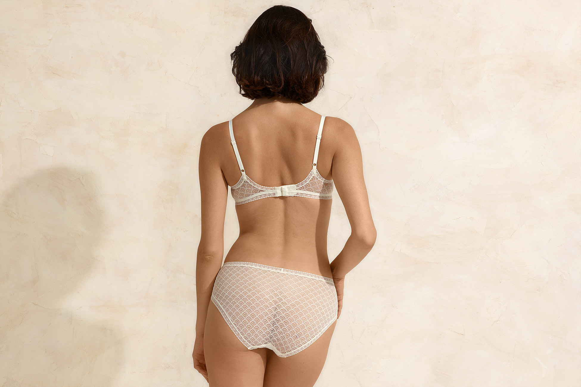Bouclette High-waisted brief standard view 3