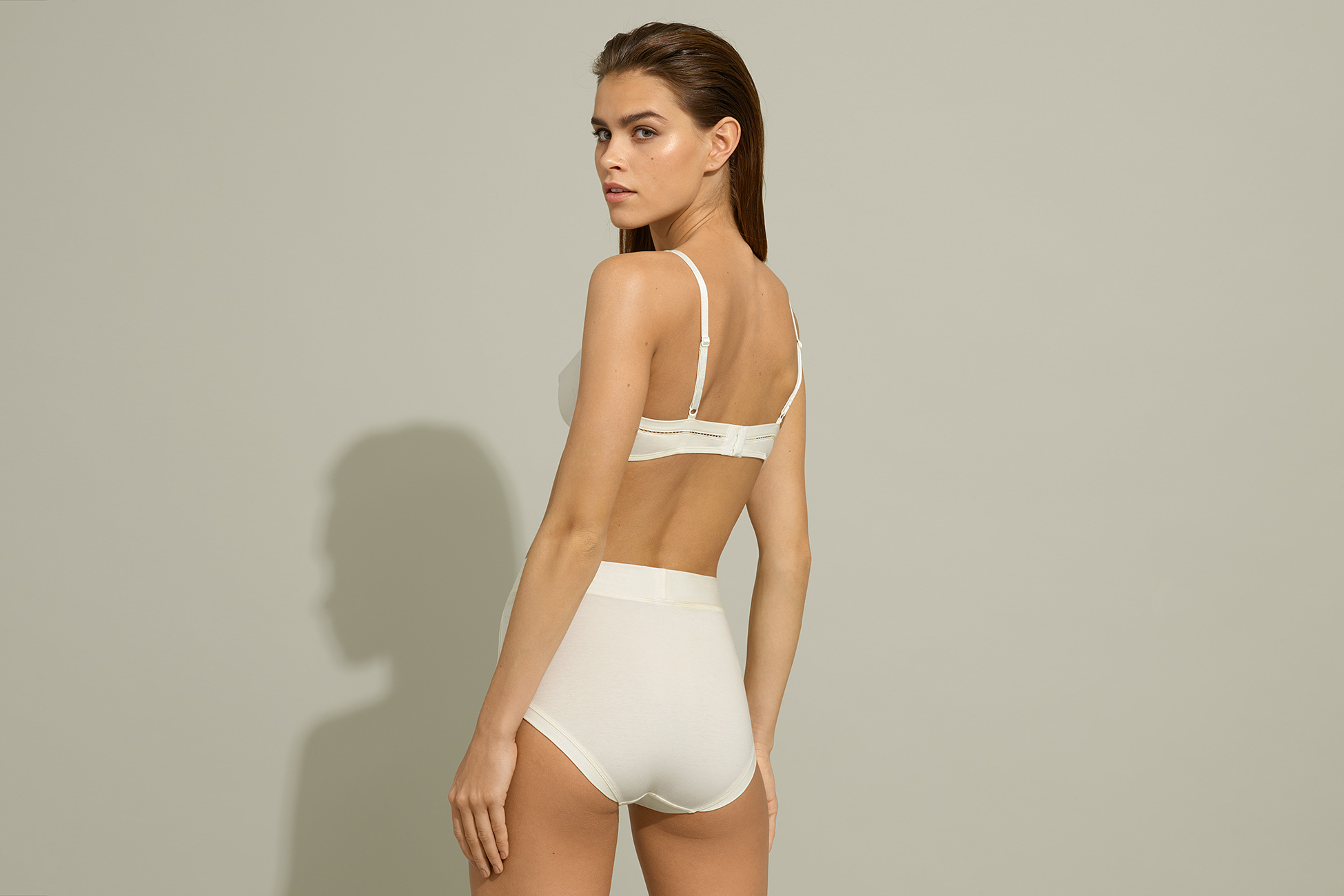 Hélas High-waisted brief standard view 3